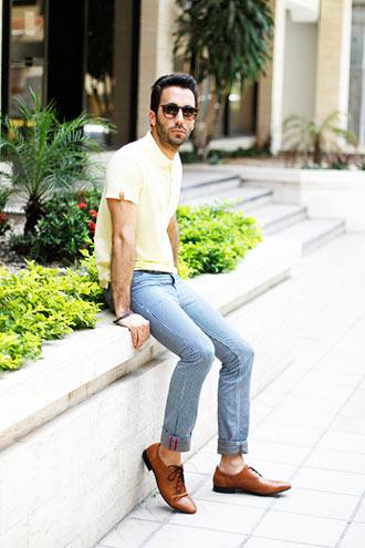 黄色のポロシャツ コーディネート
