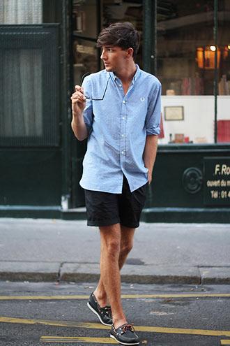 ブルーのオックスフォードシャツ コーディネート