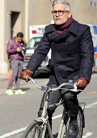 自転車通勤 自転車通勤 スーツ カバン : 自転車通勤×秋はPコートも ...
