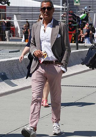 40代・50代×ピンクパンツの着こなし