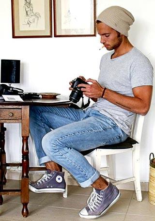 30代 ニットキャップ×Tシャツの着こなし【メンズ】 | Italy Web