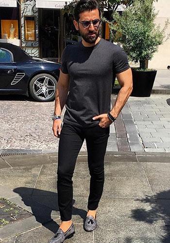 【イタリア最旬】黒をベースとしたTシャツスタイル【夏】