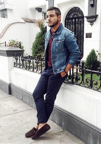 【秋】ブルーデニムジャケット×ポロシャツ×紺パンツの大人コーデ